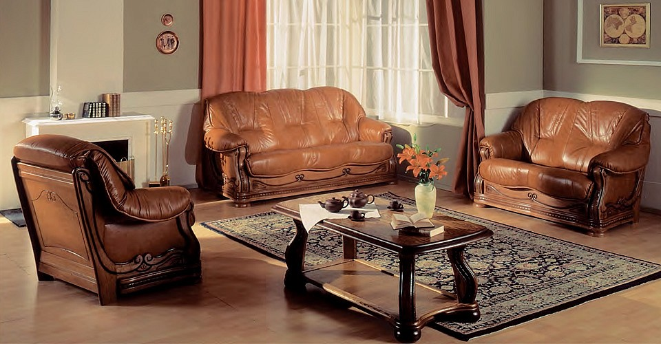 Кожаные диваны и кресло Миша